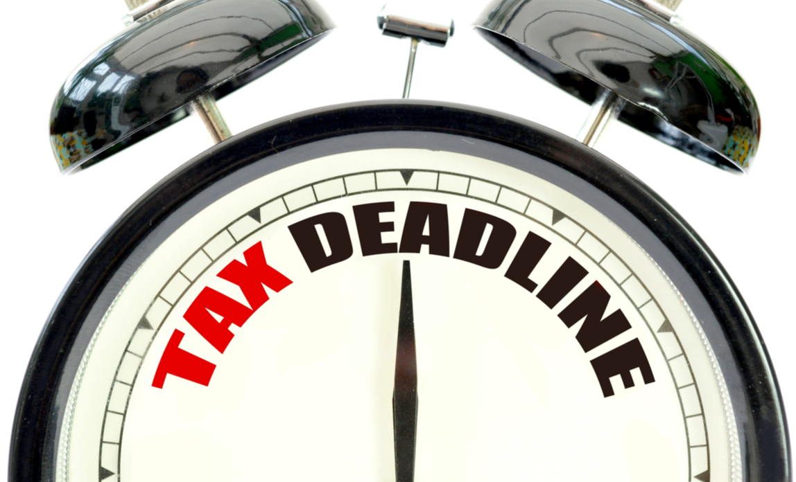 A clock counts down to the MTD deadline for UK tax payers